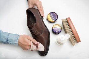 Hướng dẫn cách đánh giày da đúng cách